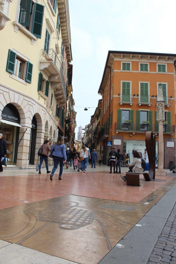 SIG - main street shopping